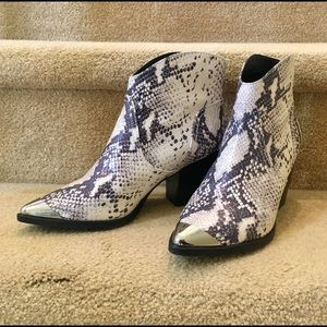Super cool snake print leather boots, size 8